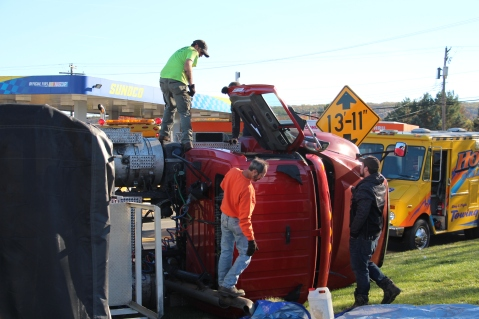 Overturned Tractor Trailer, SR54, Hometown, 10-19-2015 (124)