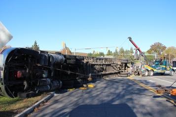 Overturned Tractor Trailer, SR54, Hometown, 10-19-2015 (141)