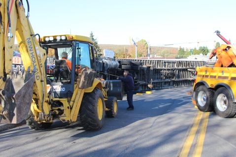 Overturned Tractor Trailer, SR54, Hometown, 10-19-2015 (144)