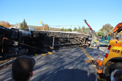 Overturned Tractor Trailer, SR54, Hometown, 10-19-2015 (145)