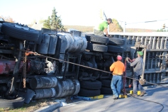 Overturned Tractor Trailer, SR54, Hometown, 10-19-2015 (149)