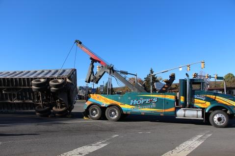 Overturned Tractor Trailer, SR54, Hometown, 10-19-2015 (156)