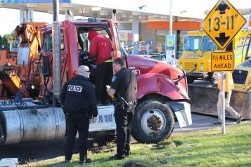 Overturned Tractor Trailer, SR54, Hometown, 10-19-2015 (185)