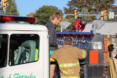 Overturned Tractor Trailer, SR54, Hometown, 10-19-2015 (210)