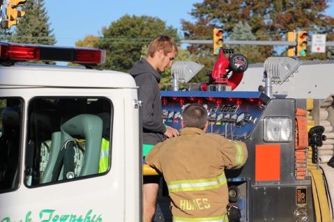 Overturned Tractor Trailer, SR54, Hometown, 10-19-2015 (210)