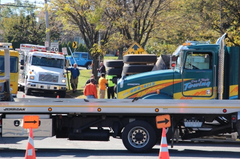 Overturned Tractor Trailer, SR54, Hometown, 10-19-2015 (48)