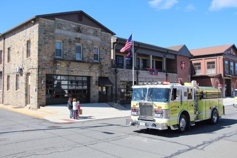 Parade for New Fire Station, Pumper Truck, Boat, Lehighton Fire Department, Lehighton (200)