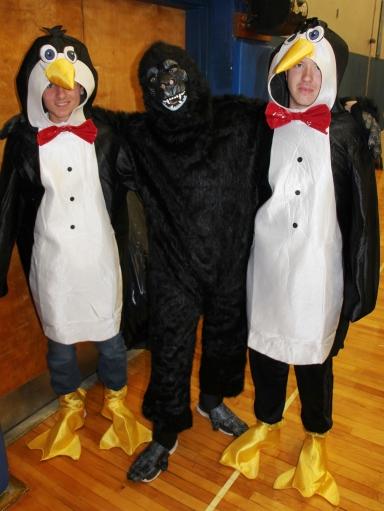 Penguins, Gorilla, Safe Trick Or Treat Night, High School, Tamaqua, 10-29-2015 (1)