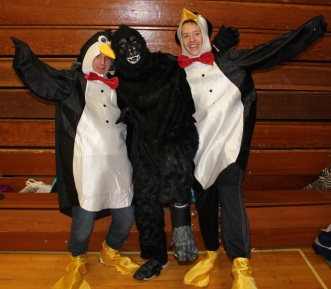 Penguins, Gorilla, Safe Trick Or Treat Night, High School, Tamaqua, 10-29-2015 (2)