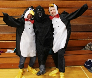 Penguins, Gorilla, Safe Trick Or Treat Night, High School, Tamaqua, 10-29-2015 (3)