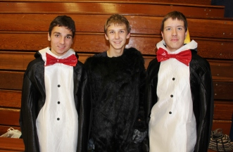 Penguins, Gorilla, Safe Trick Or Treat Night, High School, Tamaqua, 10-29-2015 (4)