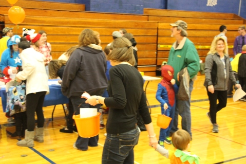 Safe Trick Or Treat Night, Tamaqua Area Senior High School, Tamaqua, 10-29-2015 (23)