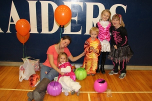 Safe Trick Or Treat Night, Tamaqua Area Senior High School, Tamaqua, 10-29-2015 (8)