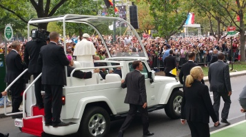 Salvation Army volunteers, Preparing for Pope Visit, Philadelphia, 9-25-2015 (132)