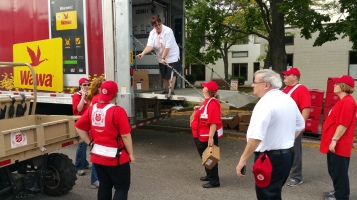 Salvation Army volunteers, Preparing for Pope Visit, Philadelphia, 9-25-2015 (24)