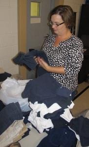 School Uniform Clothing Giveaway, Drop-Off, Salvation Army, Tamaqua, 9-19-2015 (4)