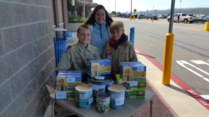 Scouts Selling Popcorn, WalMart, Lehighton, 10-4-2015 (2)