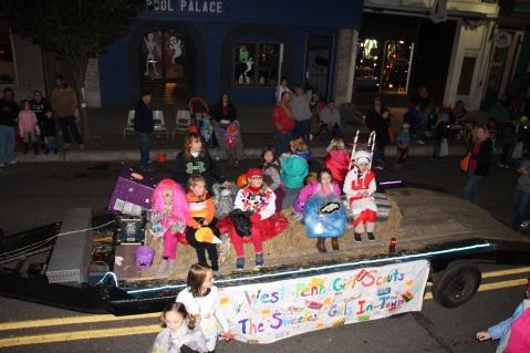 Tamaqua Lions Club Halloween Parade, Broad Street, Tamaqua, 10-27-2015 (196)