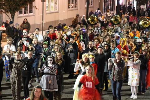 Tamaqua Lions Club Halloween Parade, Broad Street, Tamaqua, 10-27-2015 (380)