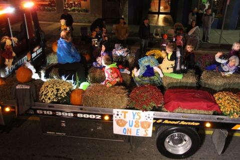 Tamaqua Lions Club Halloween Parade, Broad Street, Tamaqua, 10-27-2015 (594)