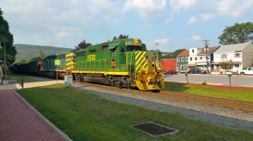 Train Through Tamaqua, 9-1-2015 (2)