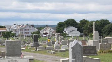 Volunteers Cleaning GAR Cemetery, Summit Hill, 9-13-2015 (17)