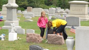 Volunteers Cleaning GAR Cemetery, Summit Hill, 9-13-2015 (27)