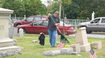 Volunteers Cleaning GAR Cemetery, Summit Hill, 9-13-2015 (29)