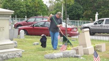 Volunteers Cleaning GAR Cemetery, Summit Hill, 9-13-2015 (29)