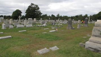 Volunteers Cleaning GAR Cemetery, Summit Hill, 9-13-2015 (31)