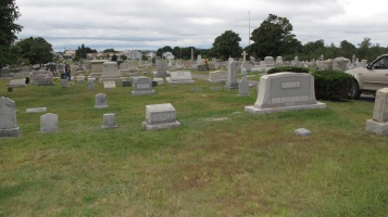 Volunteers Cleaning GAR Cemetery, Summit Hill, 9-13-2015 (33)