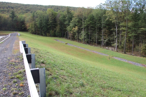 Whistles and Waves, Lower Owl Creek Dam Reservoir, Tamaqua, 10-4-2015 (46)