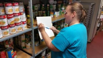 11-5-2015, Barnesville Boy Scout Troop 725 Sort Food Donations, Tamaqua Salvation Army, Tamaqua (1)