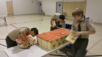 11-5-2015, Barnesville Boy Scout Troop 725 Sort Food Donations, Tamaqua Salvation Army, Tamaqua (6)