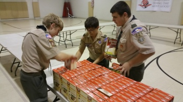 11-5-2015, Barnesville Boy Scout Troop 725 Sort Food Donations, Tamaqua Salvation Army, Tamaqua (7)