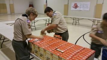 11-5-2015, Barnesville Boy Scout Troop 725 Sort Food Donations, Tamaqua Salvation Army, Tamaqua (8)