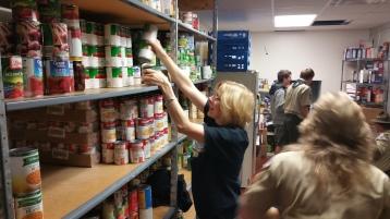11-5-2015, Barnesville Boy Scout Troop 725 Sort Food Donations, Tamaqua Salvation Army, Tamaqua (9)
