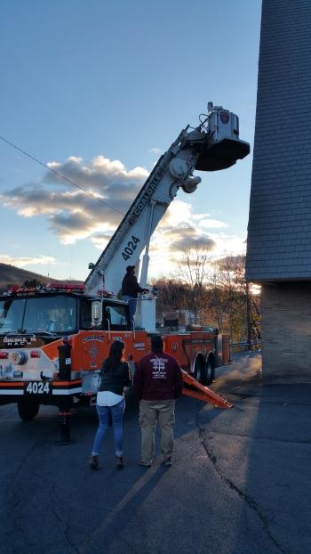 Coaldale Fire Company Placing Christmas Wreath, Trinity UCC, Tamaqua, 11-14-2015 (101)