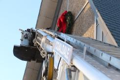 Coaldale Fire Company Placing Christmas Wreath, Trinity UCC, Tamaqua, 11-14-2015 (15)