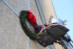 Coaldale Fire Company Placing Christmas Wreath, Trinity UCC, Tamaqua, 11-14-2015 (21)