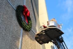 Coaldale Fire Company Placing Christmas Wreath, Trinity UCC, Tamaqua, 11-14-2015 (22)
