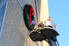 Coaldale Fire Company Placing Christmas Wreath, Trinity UCC, Tamaqua, 11-14-2015 (24)