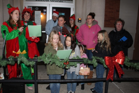 Coaldale Holiday Tree Lighting, Via C.H.O.S.E., Borough Hall, Coaldale, 11-29-2015 (10)
