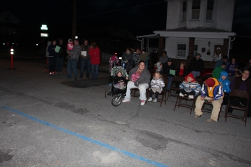 Coaldale Holiday Tree Lighting, Via C.H.O.S.E., Borough Hall, Coaldale, 11-29-2015 (11)