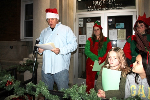 Coaldale Holiday Tree Lighting, Via C.H.O.S.E., Borough Hall, Coaldale, 11-29-2015 (2)