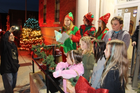 Coaldale Holiday Tree Lighting, Via C.H.O.S.E., Borough Hall, Coaldale, 11-29-2015 (23)