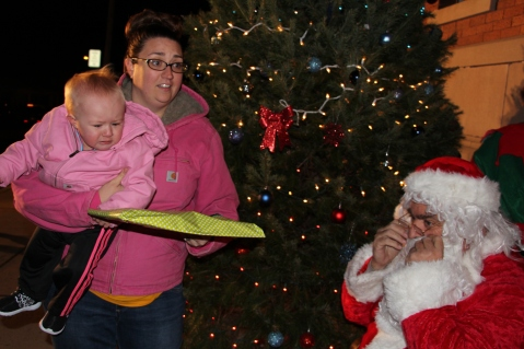 Coaldale Holiday Tree Lighting, Via C.H.O.S.E., Borough Hall, Coaldale, 11-29-2015 (46)
