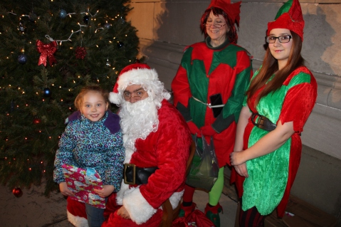 Coaldale Holiday Tree Lighting, Via C.H.O.S.E., Borough Hall, Coaldale, 11-29-2015 (71)