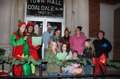 Coaldale Holiday Tree Lighting, Via C.H.O.S.E., Borough Hall, Coaldale, 11-29-2015 (9)