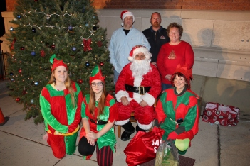 Coaldale Holiday Tree Lighting, Via C.H.O.S.E., Borough Hall, Coaldale, 11-29-2015 (94)